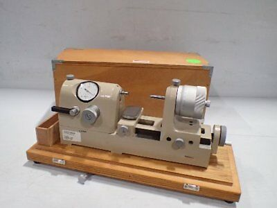 Mitutoyo Corporation 162-102 Bench Micrometer Comparator