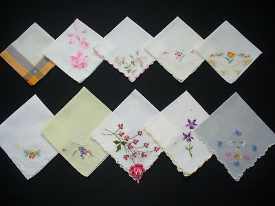 Lot of 25 Vintage Embroidered & Applique Hankies Handkerchiefs Good Condition