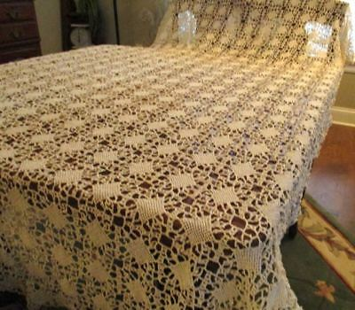 Antique Floral Coverlet Crocheted Lace Bed Cover Bedspread  Tablecloth 60x90