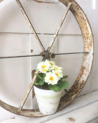 ~*Vintage Cast Iron Wheel~Quirky Home or Garden Display*~