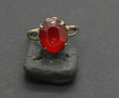 Post medieval 875 Silver ring with ruby gemstone. 18 Century.