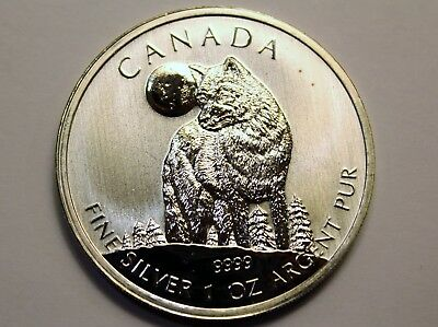 2011 One Ounce 1 oz .9999 Argent Pure Silver Canadian Timber Wolf $5 Coin Round