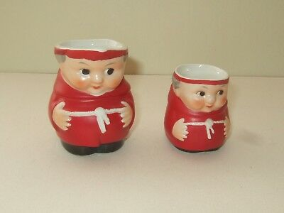 2 GOEBEL POTTERY FRIAR TUCK JUGS IN CARDINAL RED - MODEL Nos: S141 2/0 & 3/0