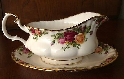 Gravy boat with underplate Old Country Roses Royal Albert England unused 1980's