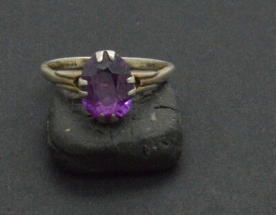 Post medieval period 875 Silver ring with gemstone. 18 Century. 2gr