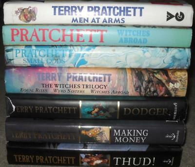 7 x TERRY PRATCHETT BOOK COLLECTION AS ONE LOT - 2 signed - DISCWORLD GC