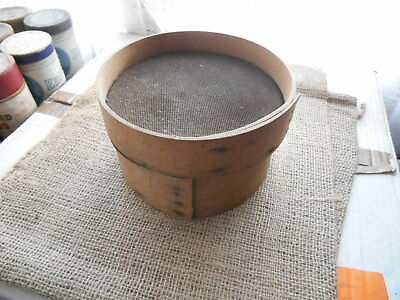 """Vintage 7"""" Wooden Flour Sieve Sifter Wire Mesh Rustic Kitchenalia"""