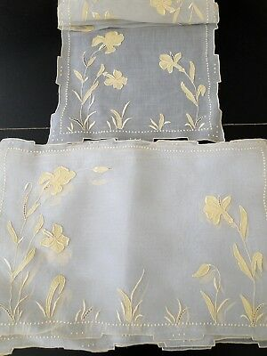 Lovely Marghab Marghandie Iris  Placemats W/table Runner