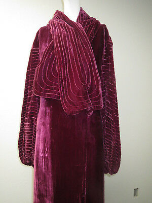 Art Deco 1920 Raspberry/Purple Colored Silk Velvet Evening Coat Floor Length L/S
