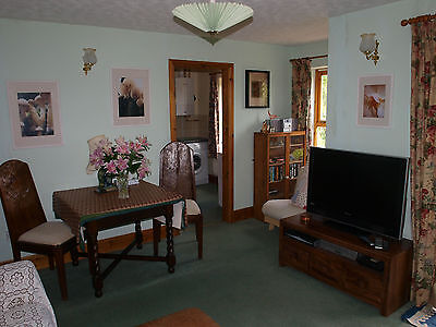 2018 APRIL Holiday Cottage West Wales Woods Walks Beach £260week Dog Friendly