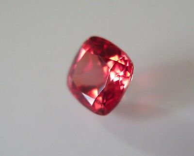 SUPERBE SAPHIR VERNEUIL PADPARADSCHA 8x8 mm.IF taille coussin