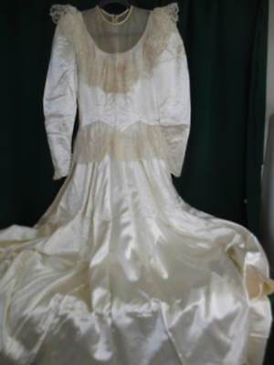 Lovely Vintage Midcentury Satin Wedding Gown w Pearl Accent Lace Yoke & Peplum