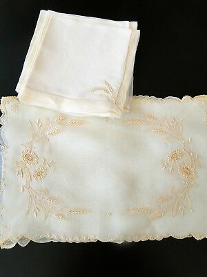 "Antique Linens - Marghab  Placemats With Napkins,""wheat"" Design"