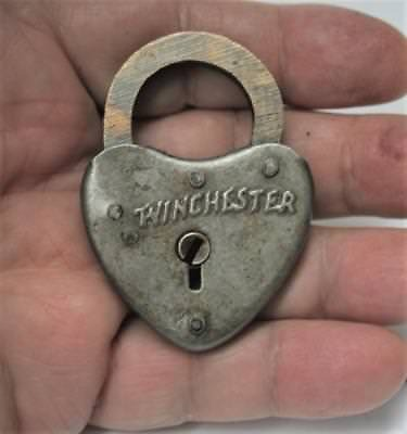 Reproduced - Small Winchester Heart Shaped Lock - 2 Keys Works - Distinctive
