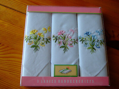 Vintage Cotton Embroidered Handkercheifs.Boxed.WOOLWORTHS.