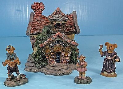 """2000 Boyds Town Village #4  """"the Boyds Bearly A School""""  With Accessories #19004"""