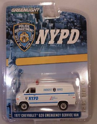Nypd White 1977 Chevy G20 Emergency Svcs Van Greenlight 1:64 Scale Diecast Model
