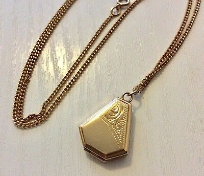 Beautiful Ladies Vintage Shaped Deco Style 9CT Locket on Good 9CT Chain Nice