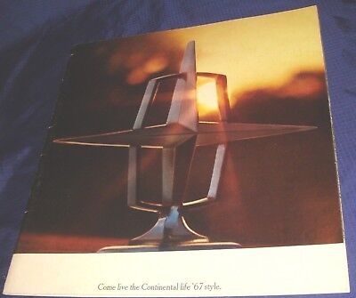 BS404 1967 Ford Lincoln Continental Dealer Sales Brochure