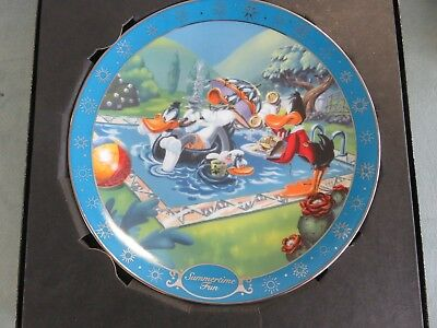 Daffy Duck/Bugs Bunny Summertime Fun Looney Tunes Warner Bros.Collector Plate