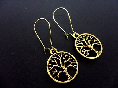 NEW. A PAIR OF CHRISTMAS TREE EARRINGS ON SILVER PLATED KIDNEY EAR WIRES