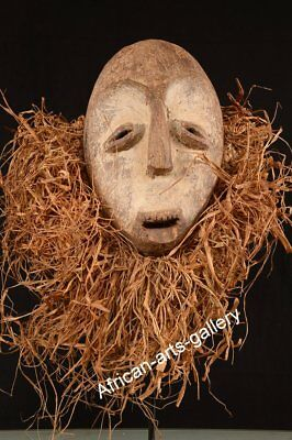 478 Old Mask of the Lega DR Congo / Congo Africa