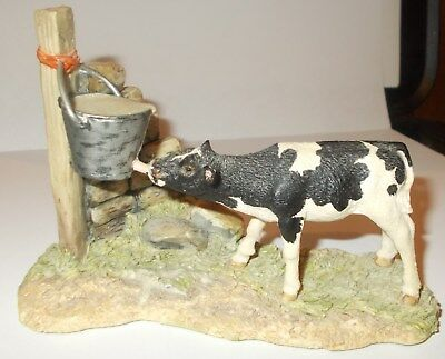 "Border Fine Arts Jh82A Figurine ""morning Feed"" (Black And White)"