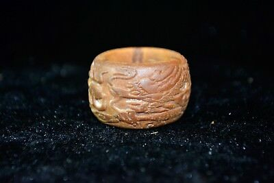 chinese Collectible Old olivary nucleus handwork carve dragon art Ring Decor