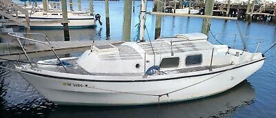 NF - 1975 Westerly Centaur 26' Sailboat - Virginia
