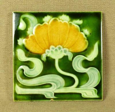 "1903 - HENRY RICHARDS TILE Co. - ART NOUVEAU ""LILY"" MAJOLICA TILE"