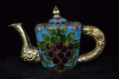Collectible Chinese rare Old cloisonne handwork grape decorate wonder Teapot