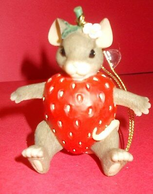 """#117 Charming Tails """"you're Berry Special""""  97/28 - Ornament"""