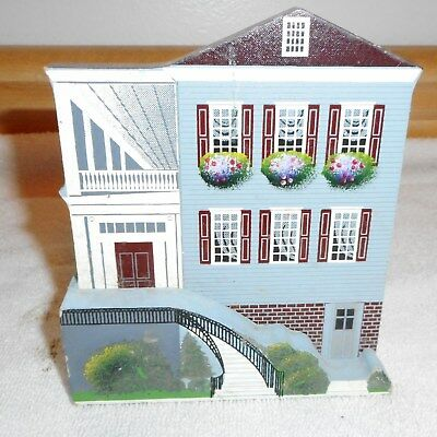Shelia's Collectible Wooden House - Single Side Porch Charleston, Sc - 1993