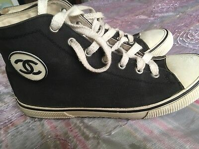 (Fake? ) Vintage Iconic Chanel Baseball Boots size 39 (but more like a size 5)