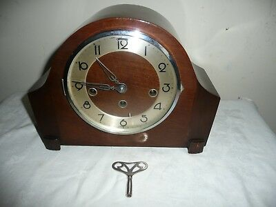 1930s, Westminster Chimes Mantle Clock in Excellent Condition & Working Order.