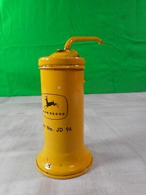 Vintage John Deere 4 Legged Deere Oil Squirt Can No JD 94 (( Excellent Condition