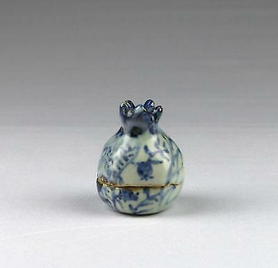 Rare Antique Chinese Qing Blue & White Fruit Shape Scholar's Covered Incense Box