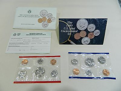The United States Mint 1989 Uncirculated Coin Set With D And P Mint Marks