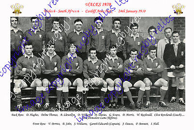 WALES 1970 RUGBY TEAM PHOTOGRAPH (v South Africa)