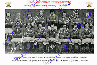 WALES 1977 - TRIPLE CROWN WINNERS RUGBY TEAM PHOTOGRAPH (v England)