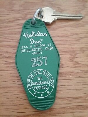 Collectible Vintage Holiday Inn Hotel  Room Key & Fob N Bridge St CHILLICOTHE OH