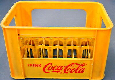 Vintage Yellow Plastic GERMAN TRINK Coca-Cola BOTTLE CASE Carrier Crate Germany