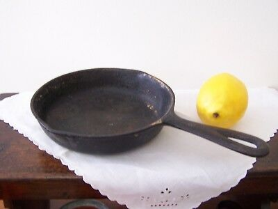 Vintage Small #3 B , Solid Cast Iron Fry Pan = Great for 1 or 2 eggs FREE SHIP