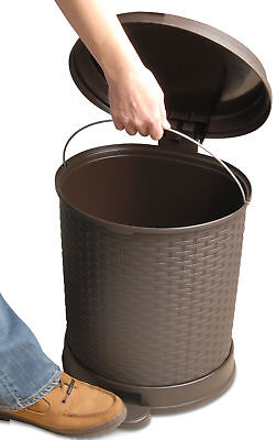 Superior Performance Plastic 5.5 Gallon Step On Trash Can
