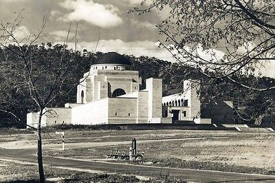 CANBERRA Australian War Memorial 1949 2nd View modern digital Postcard