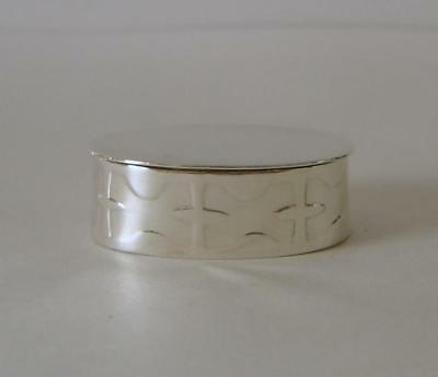 A Heavy Gauge Sterling Silver Small Trinket Box Or Keepsake Box London 1978