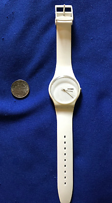 vintage 1980's SWATCH WATCH LARGE Swiss ALL WHITE USED WORKS!#121 DATE/DAY wrist