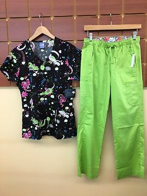 NEW Green Print Scrubs Set With Small Top & Vera Bradley Small Petite Pants NWT