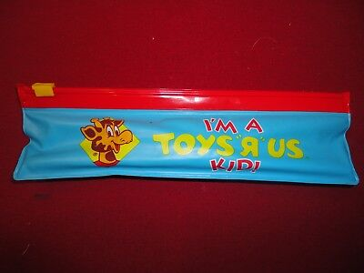 """Vintage """"i'm A Toys """"r"""" Us Kid!"""" Pencil Pouch With Pieces Nr"""