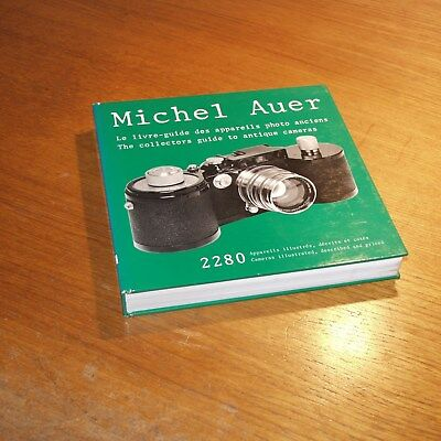 The collectors guide to antique cameras vintage book 1981 signed by Michel AUER
